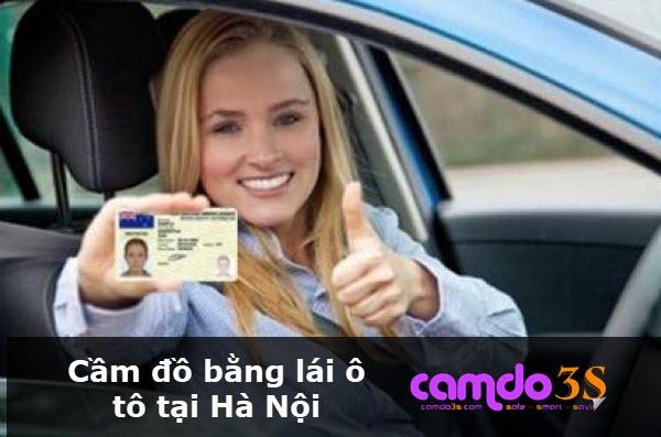 Cầm bằng lái ô tô tại Hà Nội